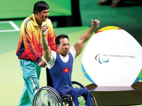 Vietnam asiste al Campeonato Mundial de Halterofilia para Discapacitados  - ảnh 1