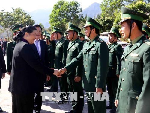 Vicejefa legislativa de Vietnam continúa su visita de trabajo en Dien Bien - ảnh 1