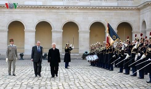 Visitas del máximo dirigente político vietnamita marcan hitos en las relaciones con Francia y Cuba  - ảnh 1