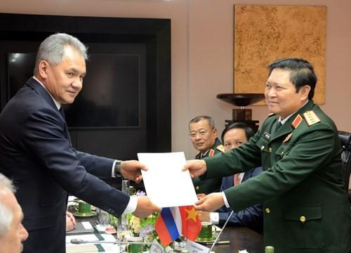 Vietnam y Rusia intensifican la cooperación en defensa  - ảnh 1