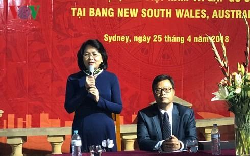 Vicepresidenta de Vietnam se reúne con compatriotas residentes en Sídney  - ảnh 1
