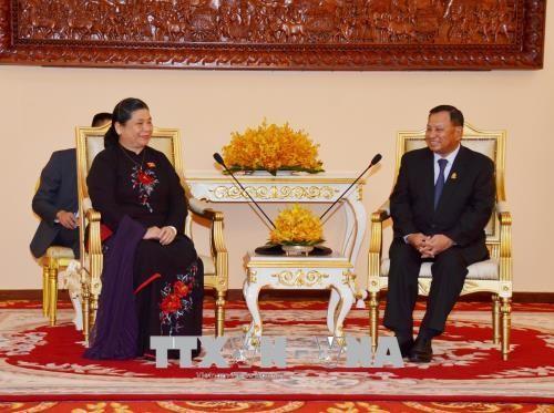 Dirigentes camboyanos aprecian la cooperación multifacética con Vietnam  - ảnh 1