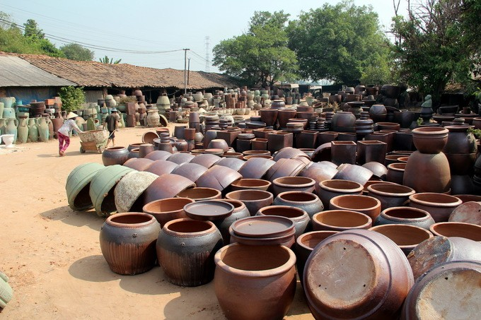 Inagotable vitalidad de una aldea dedicada al oficio tradicional de la cerámica - ảnh 1