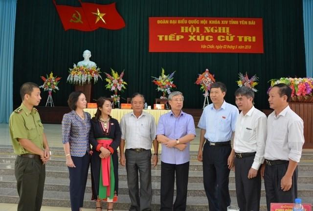 Delegaciones parlamentarias de Vietnam realizan contactos con el electorado local  - ảnh 1