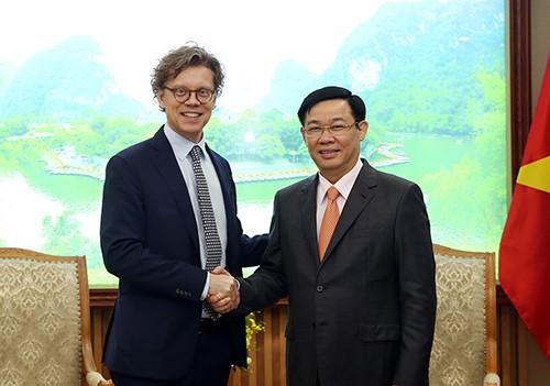 Vietnam y Suecia fortalecen la cooperación en materia económica y comercial - ảnh 1