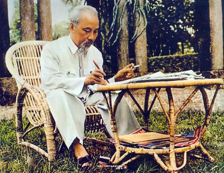 El revolucionario Ho Chi Minh en ojos de amigos extranjeros - ảnh 2