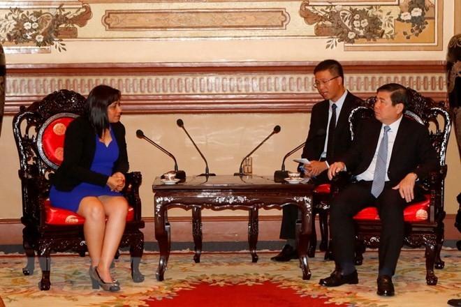 Vietnam y Cuba refuerzan la cooperación juvenil entre sus localidades  - ảnh 1