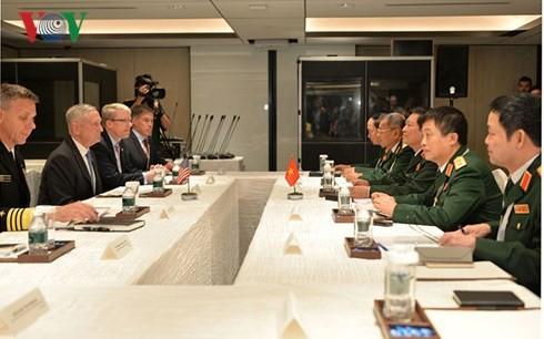 Vietnam y Estados Unidos refuerzan la cooperación en defensa - ảnh 1