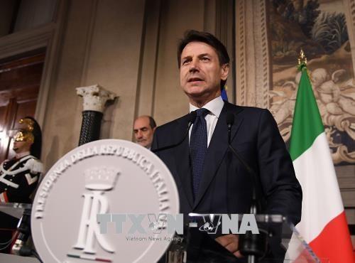Giuseppe Conte jura como primer ministro de Italia - ảnh 1