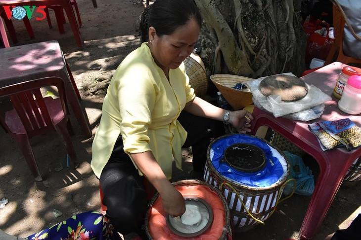Mercado al aire libre, un producto del turismo comunitario en Hue  - ảnh 1