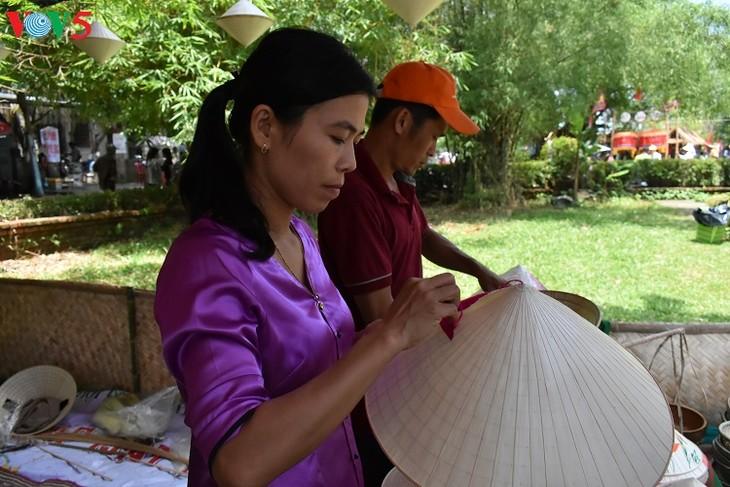 Aldeas artesanales de Thua Thien Hue desarrollan el turismo comunitario - ảnh 1