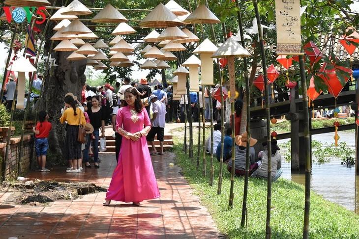 Aldeas artesanales de Thua Thien Hue desarrollan el turismo comunitario - ảnh 2