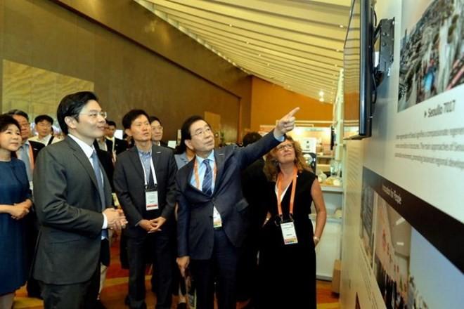 Celebran en Singapur la sexta Cumbre Mundial de Ciudades  - ảnh 1