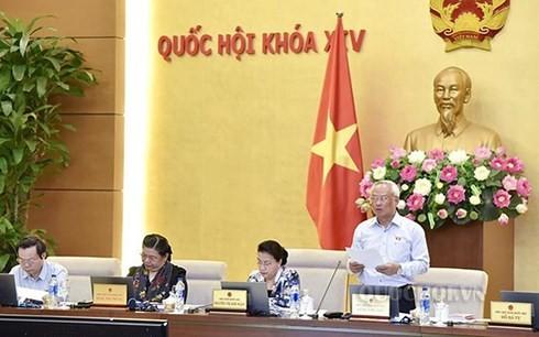 Continúa jornada de trabajo del Comité Permanente del Parlamento de Vietnam - ảnh 1