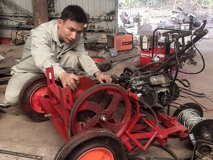 Ta Dinh Huy, inventor de maquinaria agrícola  - ảnh 1