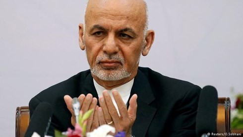 Presidente afgano anuncia un alto el fuego con los talibanes - ảnh 1