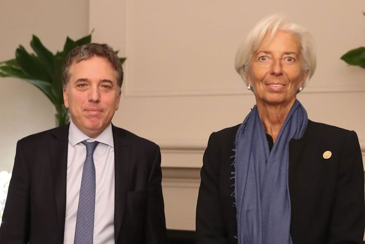 Negociaciones de apoyo financiero entre el Fondo Monetario Internacional y Argentina progresan - ảnh 1