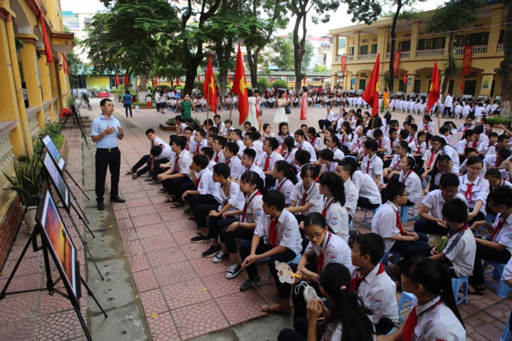 Mil mensajes de amor de alumnos capitalinos hacia Truong Sa  - ảnh 4
