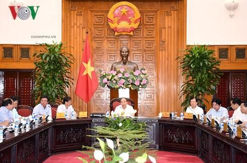 Primer ministro vietnamita trabaja con dirigentes de Ninh Thuan  - ảnh 1