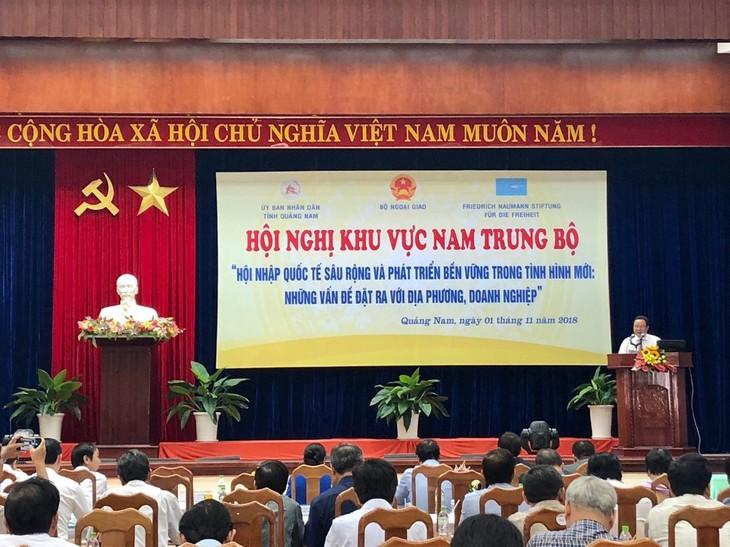 Región sureña del centro de Vietnam buscan medidas sobre integración internacional y desarrollo sostenible - ảnh 1