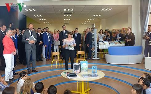 Premier francés asiste a la inauguración de la nueva sede de la escuela Alexandre Yersin en Hanói  - ảnh 1