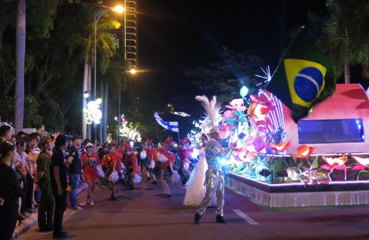 Da Nang hacia el desarrollo turístico asociado al Festival Internacional de Fuegos Artificiales - ảnh 1