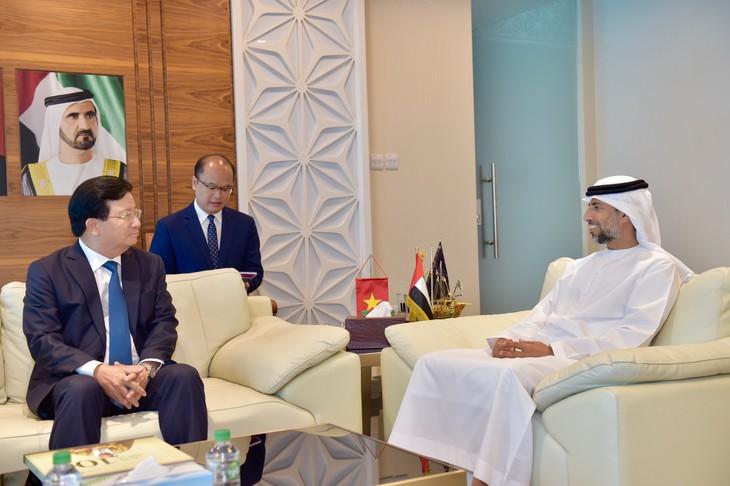 Vietnam y Emiratos Árabes Unidos decididos a elevar intercambio comercial  - ảnh 1