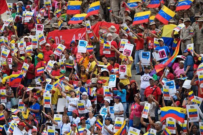 Venezuela recolecta decenas de millones de firmas contra el bloqueo estadounidense  - ảnh 1