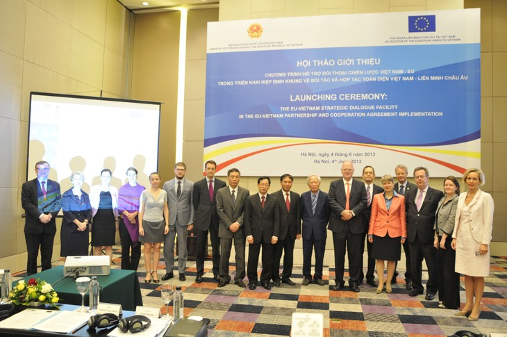 โครงการสนทนายุทธศาสตร์ให้การช่วยเหลือในการปฏิบัติข้อตกลงหุ้นส่วนร่วมมือเวียดนามอียู - ảnh 1