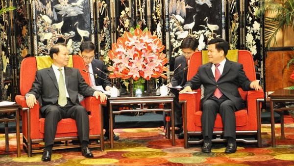 ท่าน Vũ Văn Ninh รองนายกรัฐมนตรีให้การต้อนรับผู้ว่าราชการมณฑลยูนนาน ประเทศจีน - ảnh 1