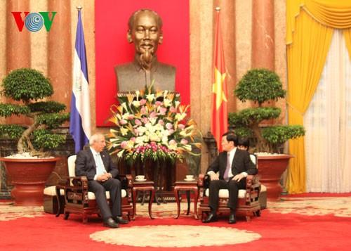 ประธานรัฐสภาประเทศเอลซัลวาดอร์ Sigfrido Reyes เยือนเวียดนาม - ảnh 2