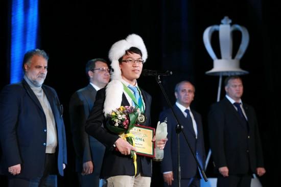 นักหมากรุก Lê Quang Liêm ได้คว้าแช๊มป์โลกในการแข่งขันหมากรุกสากลแบบเกมสายฟ้าปี 2013 - ảnh 1