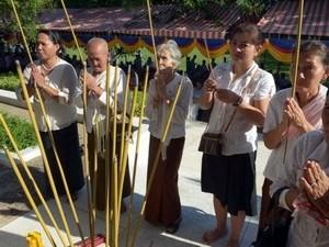วุฒิสภากัมพูชาอนุมัติร่างพระราชบัญญัติต่อต้านการไม่รับรองอาชญากรรมในสมัยระบอบเขมรแดง - ảnh 1