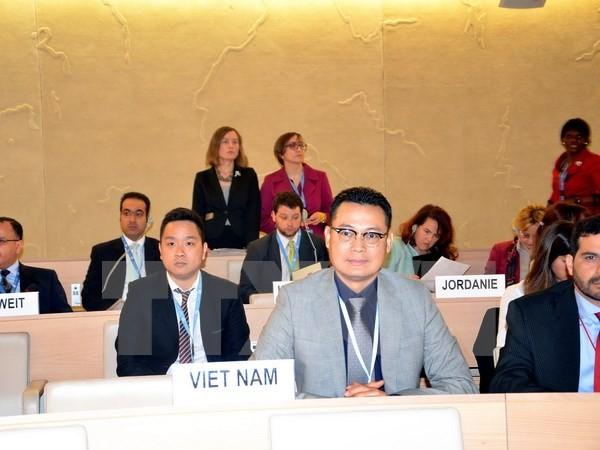 เวียดนามร่วมมือกับนานาประเทศปกป้องสิทธิมนุษยชนในการต่อต้านการก่อการร้าย - ảnh 1
