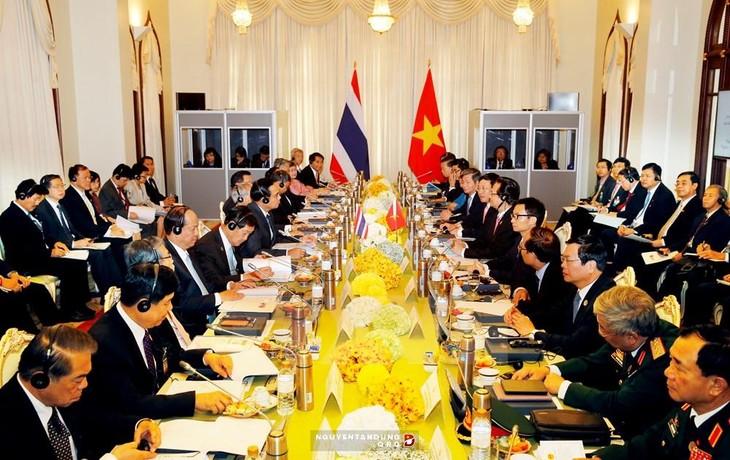 การเจรจาและการประชุมคณะรัฐมนตรีร่วมระหว่างเวียดนาม-ไทย - ảnh 3