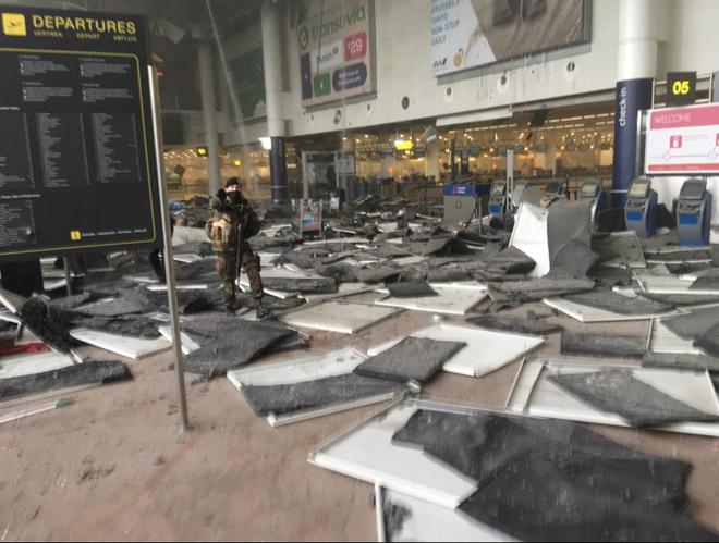 ยุโรปเผชิญกับความเสี่ยงจากผู้ก่อการร้าย - ảnh 1