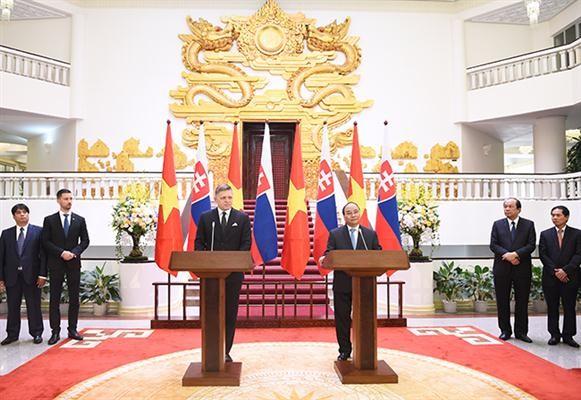 นายกรัฐมนตรีสโลวาเกียเยือนเวียดนามอย่างเป็นทางการ - ảnh 1