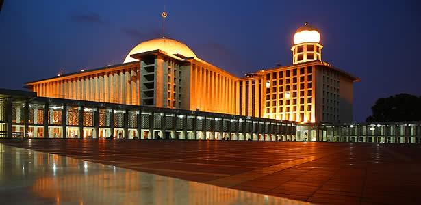 มัสยิด อิสติกลัล – สัญลักษณ์ของชาวมุสลิมอินโดนีเซีย - ảnh 2