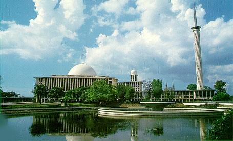 มัสยิด อิสติกลัล – สัญลักษณ์ของชาวมุสลิมอินโดนีเซีย - ảnh 1
