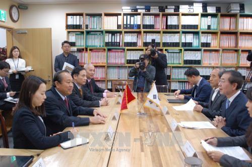 ภารกิจของรองนายกรัฐมนตรี เจืองหว่าบิ่งในกรอบการเยือนสาธารณรัฐเกาหลี - ảnh 1