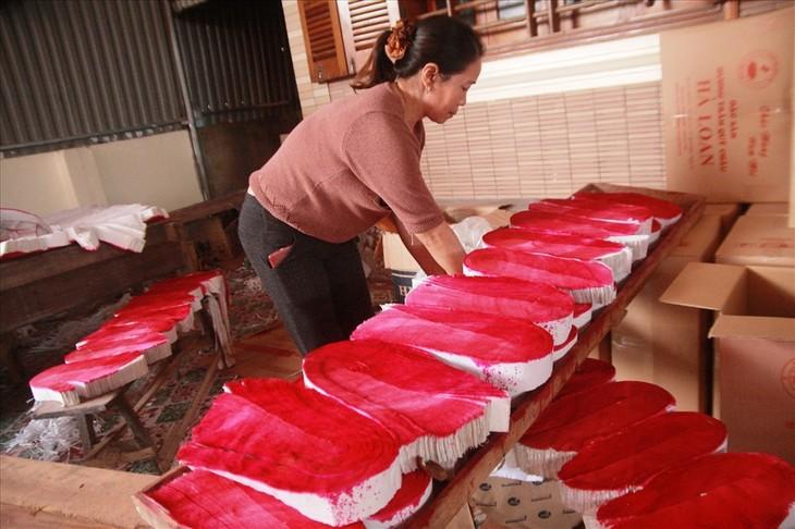 หมู่บ้านประกอบอาชีพผลิตธูปไม้หอมกวี่โจว จังหวัดเหงะอาน - ảnh 2