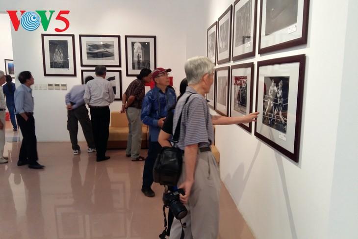 เปิดงานนิทรรศการภาพถ่ายระหว่างประเทศของสมาคมช่างภาพสหรัฐ - ảnh 1