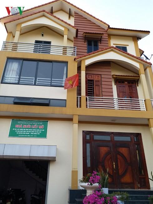มหาเศรษฐีรุ่นใหม่ในหมู่บ้านปลูกดอกไม้ ซวนกวาน - ảnh 3