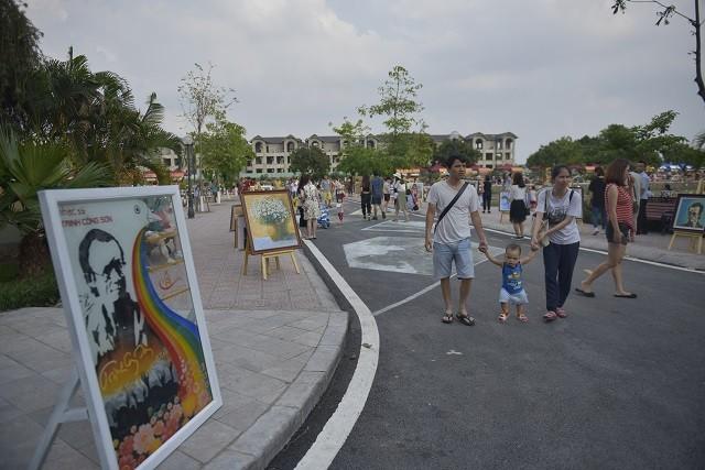 ถนนคนเดิน จิ่งกงเซิน ศูนย์วัฒนธรรมที่ดึงดูดนักท่องเที่ยวในกรุงฮานอย - ảnh 3