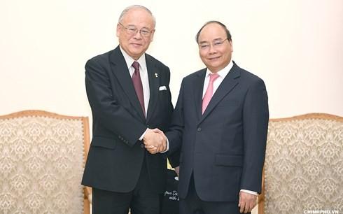 นายกรัฐมนตรี เหงียนซวนฟุก ให้การต้อนรับที่ปรึกษาสหภาพส.ส มิตรภาพญี่ปุ่น-เวียดนาม - ảnh 1