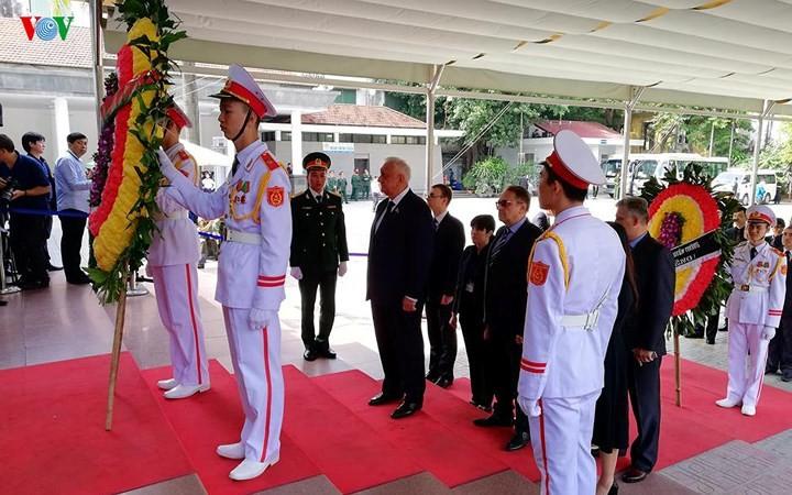 พิธีเคารพศพประธานประเทศ เจิ่นด่ายกวาง - ảnh 27