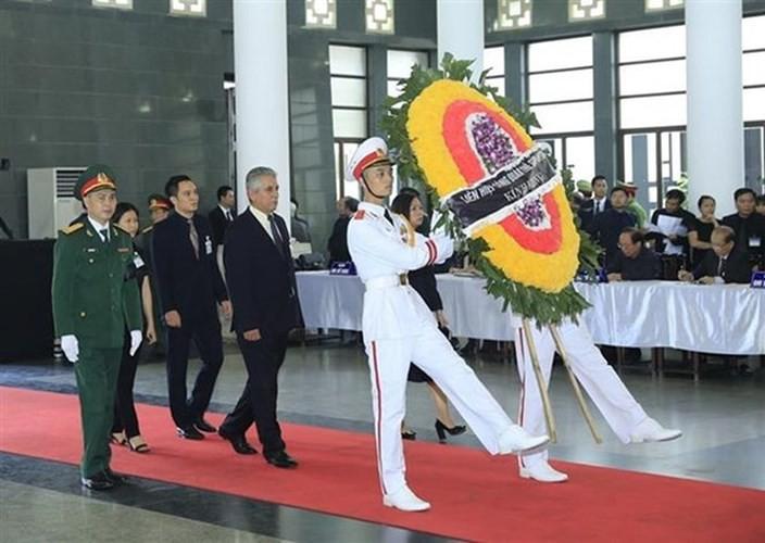 พิธีเคารพศพประธานประเทศ เจิ่นด่ายกวาง - ảnh 31