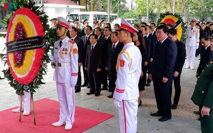 พิธีเคารพศพประธานประเทศ เจิ่นด่ายกวาง - ảnh 17