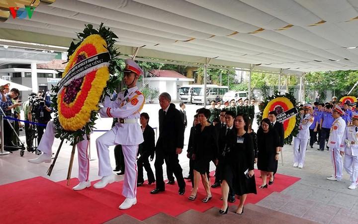 พิธีเคารพศพประธานประเทศ เจิ่นด่ายกวาง - ảnh 26