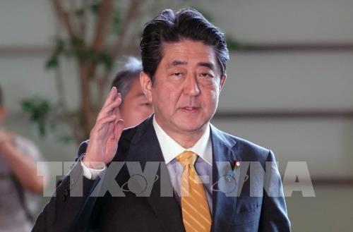 นายกรัฐมนตรีญี่ปุ่น ชินโซอาเบะ เผชิญกับความท้าทายมากมายด้านเศรษฐกิจและการทูต - ảnh 1